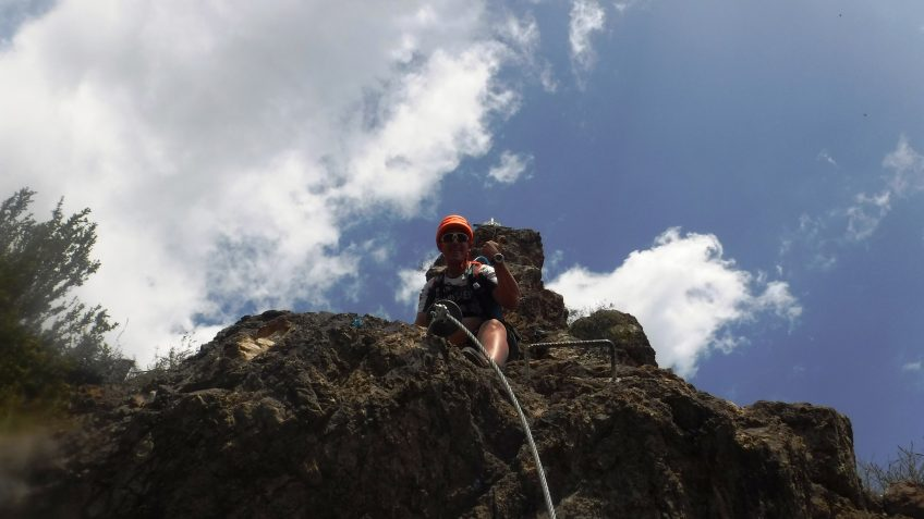 pack barranquismo y via ferrata en barcelona 49