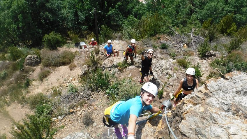 pack barranquismo y via ferrata en barcelona 55