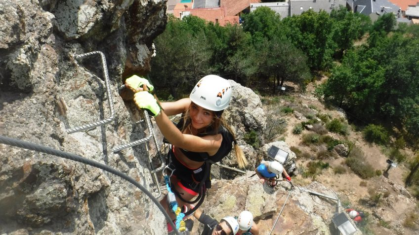 pack barranquismo y via ferrata en barcelona 60