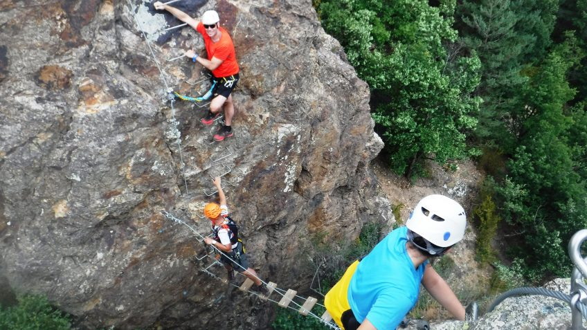 pack barranquismo y via ferrata en barcelona 66