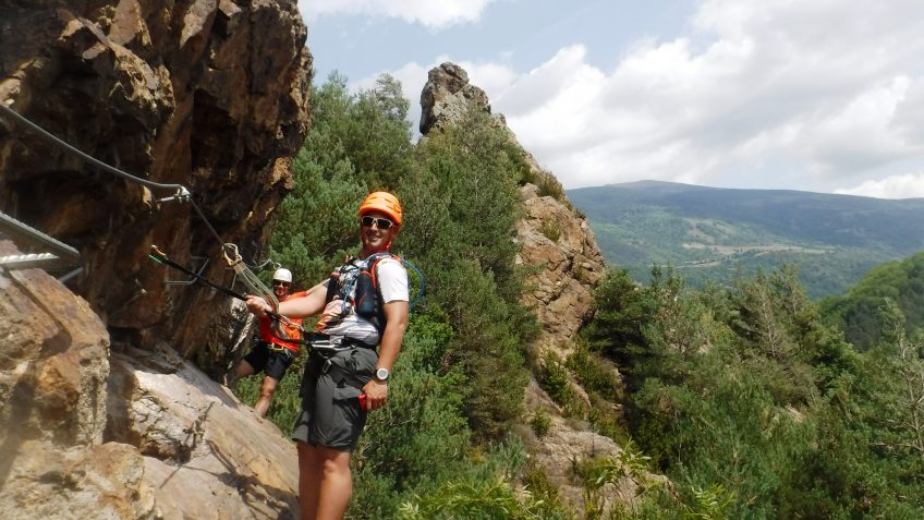 pack barranquismo y via ferrata en barcelona 68