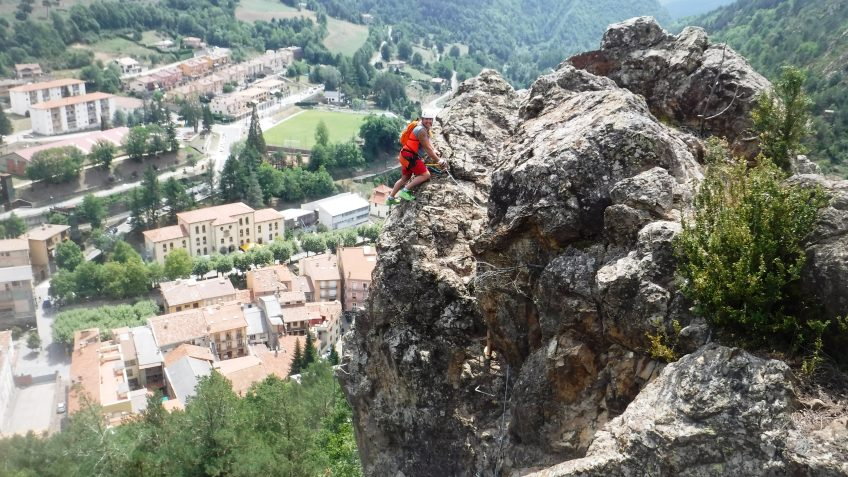 pack barranquismo y via ferrata en barcelona 74