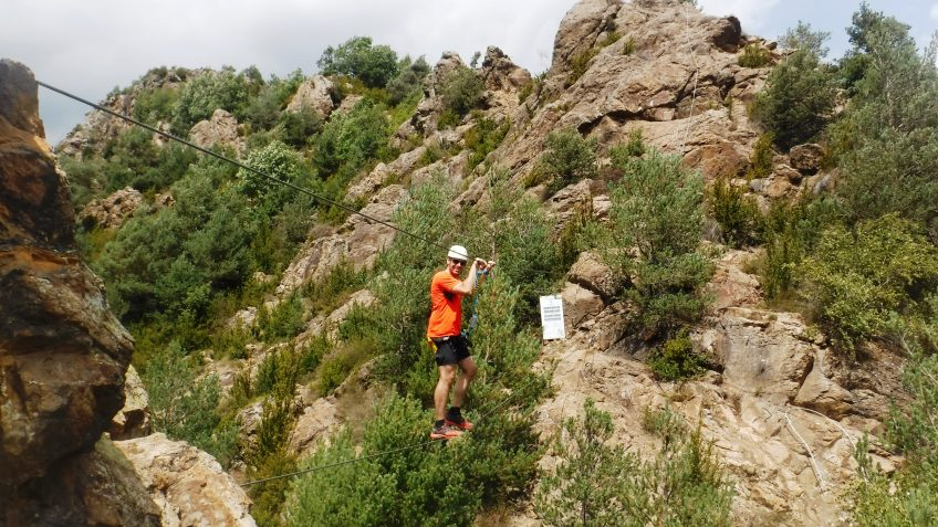 pack barranquismo y via ferrata en barcelona 76