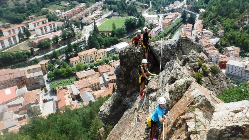 pack barranquismo y via ferrata en barcelona 77