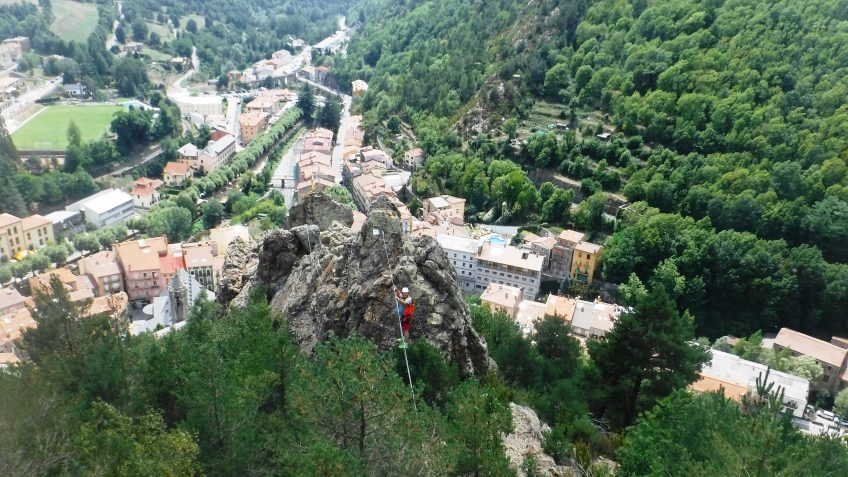 pack barranquismo y via ferrata en barcelona 87