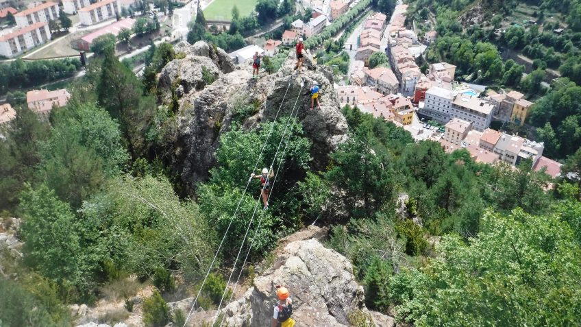pack barranquismo y via ferrata en barcelona 89
