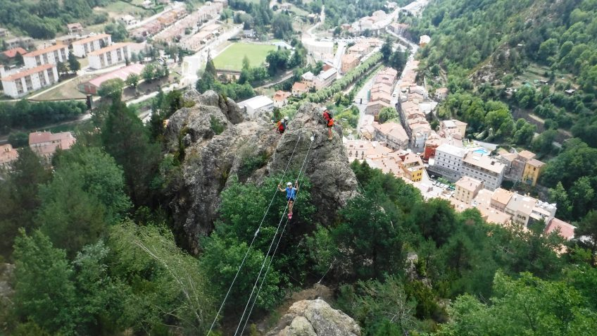 pack barranquismo y via ferrata en barcelona 90