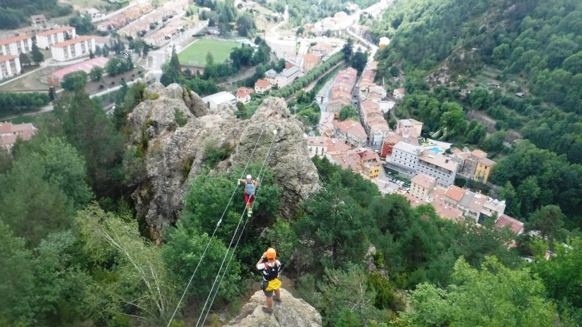pack barranquismo y via ferrata en barcelona 92