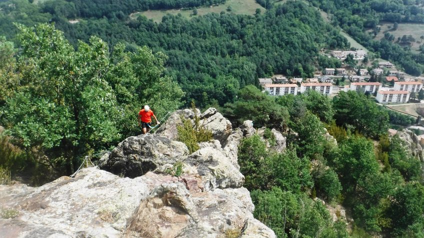 pack barranquismo y via ferrata en barcelona 94