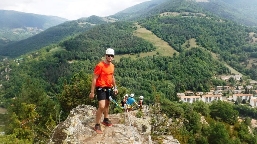 pack barranquismo y via ferrata en barcelona 96