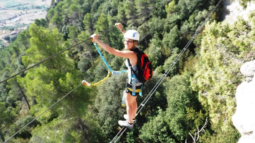 via ferrata en barcelona en grupo reducido 16