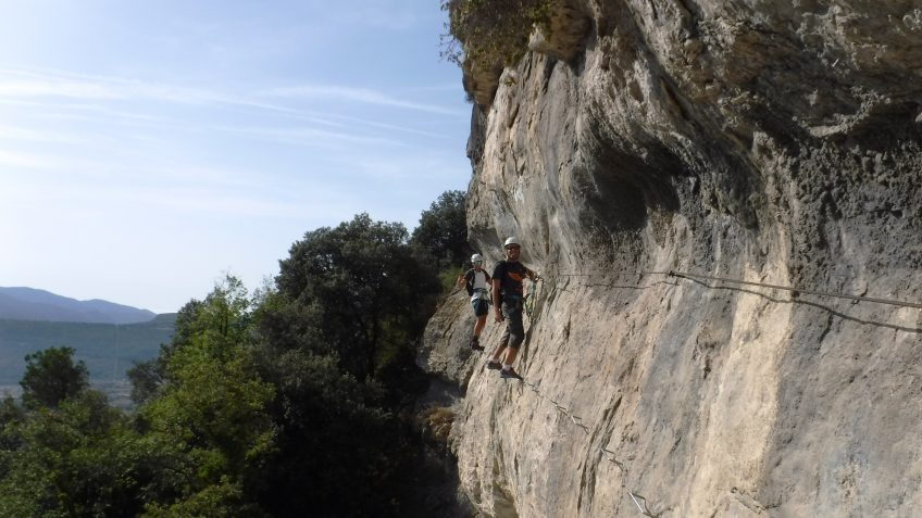 via ferrata en barcelona en grupo reducido 18