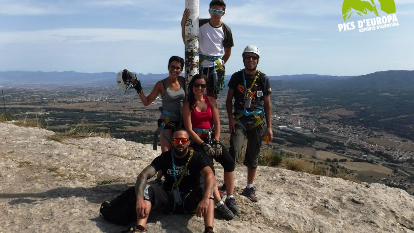 via ferrata en barcelona en grupo reducido 36