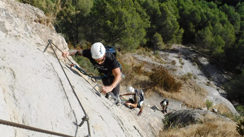 via ferrata en barcelona en grupo reducido 5